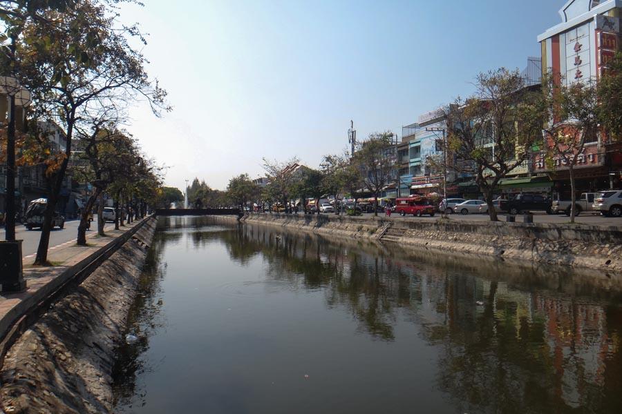 Wassergraben Um Die Altstadt Von Chiang Mai